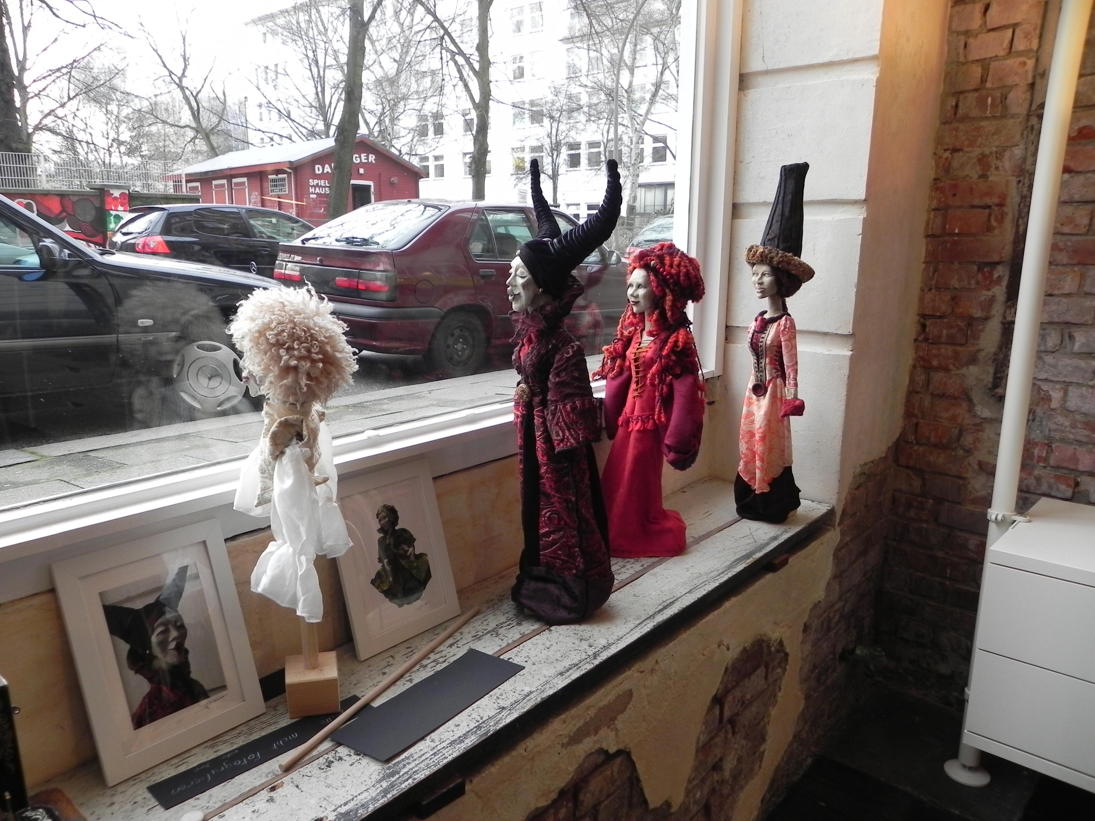 atelier figurart hamburg sankt georg handpuppen marionette Skulpturen Tierportrait hamburg Sankt Georg figurart Valerie Bayol